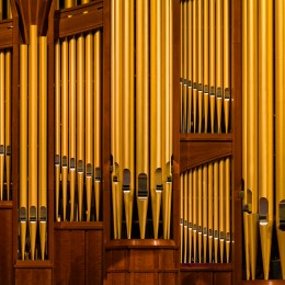 conference-center-organ-pipes-925355-wallpaper