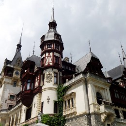 Peles_Castle_03_1200
